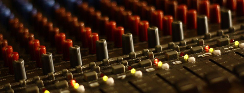 W6 mixing desk